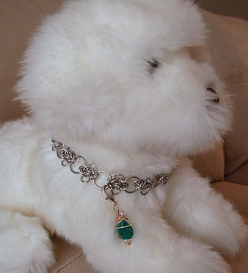 images/images/fluffy w chainmail collar and clip on pawmulet.jpg